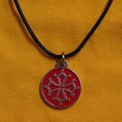 collier médaillon rond croix occitane