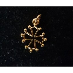 Occitan cross pendant (hollowed out golden) - 1,5 cm