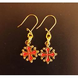 Boucles d'oreille croix occitane, métal doré intérieur rouge